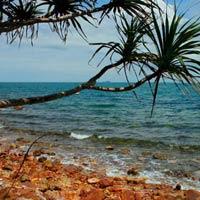 Đẹp nao lòng biển xanh Bà Lụa