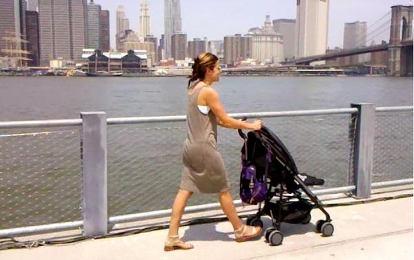Những mặt hạn chế khi sử dụng xe đẩy em bé là gì?